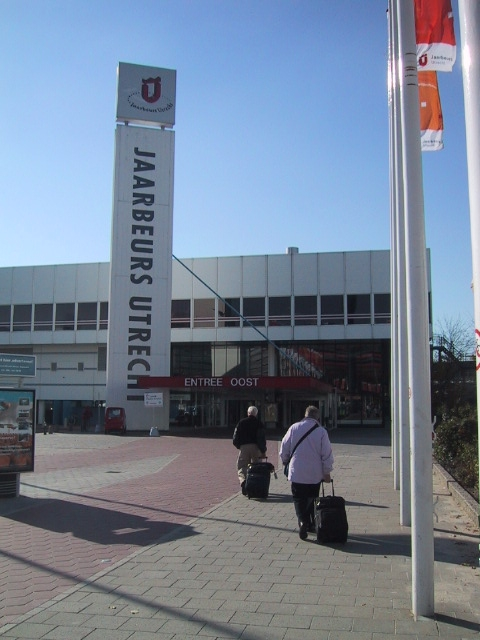 Terry and Helen Sutfin approach Jaarbeurs Trade and  Convention Centre where they hoped the VEC would be waiting.