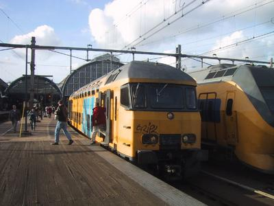 Dutch trains are unique, well at least to me. The ride is quiet and smooth. I saw some dogface locos which would make great models.