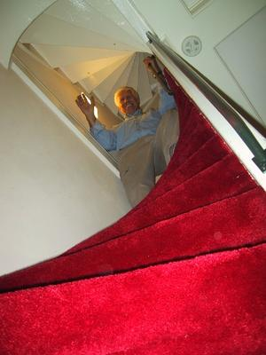 Maes B&B: Climbing the stairs to our breakfast area in the BnB was not for the faint of heart or the physically challenged.